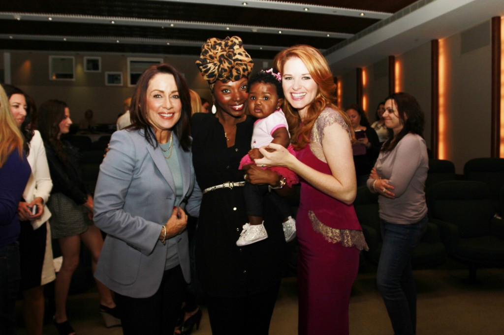Moms' Night Out Mamarazzi® - Ashani Mfuko with co-stars Patricia Heaton & Sarah Drew (and baby Zuri of course)